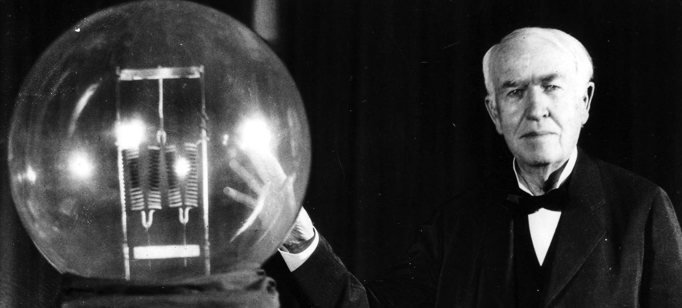 Thomas Edison, une personne qui sait ce que c'est la persévérance. Il a persévéré et accomplis de nombreux objectifs.