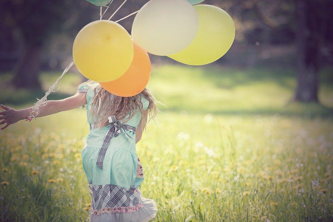 La métaphore du ballon gonflable qui représente votre bonheur. Les pratiques qui vous empêchent d'être heureux.