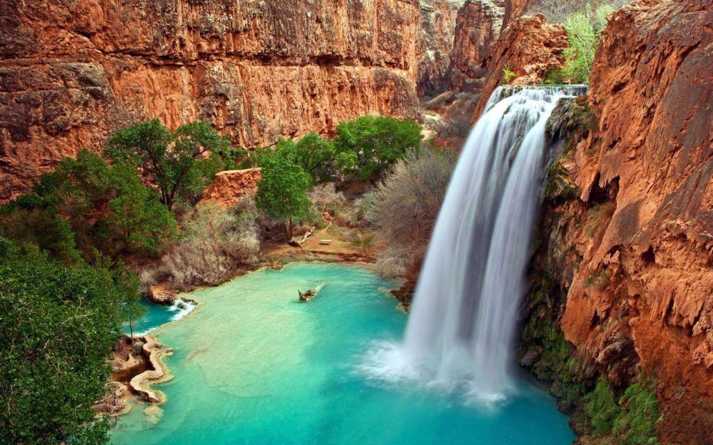 Analogie de la pleine conscience avec une cascade d'eau