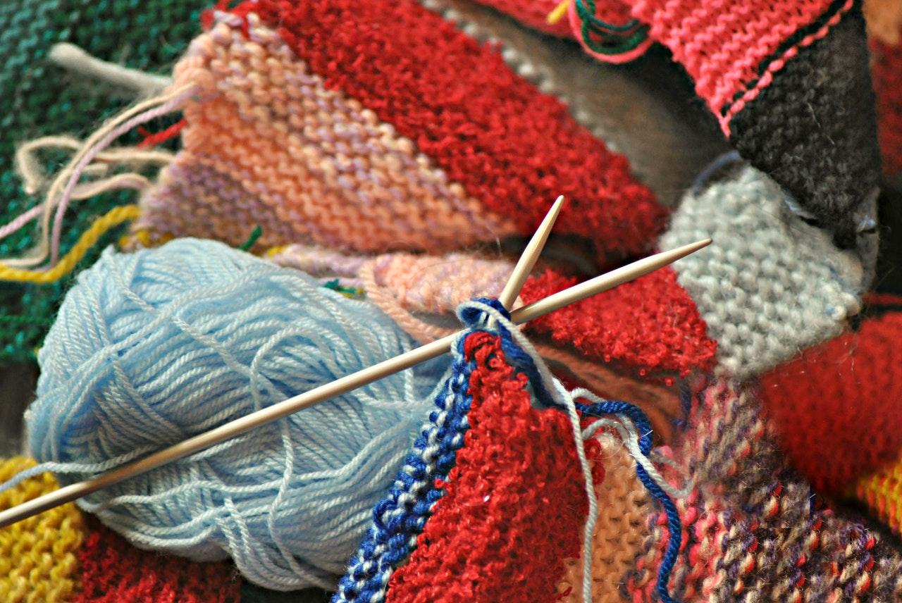 Saison hivernale et tricot. Surmonter le trouble affectif saisonnier.